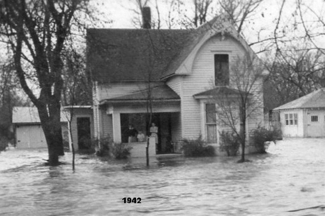 Quigley's bought the house in 1935. This is 1942 Coon Creek flood.